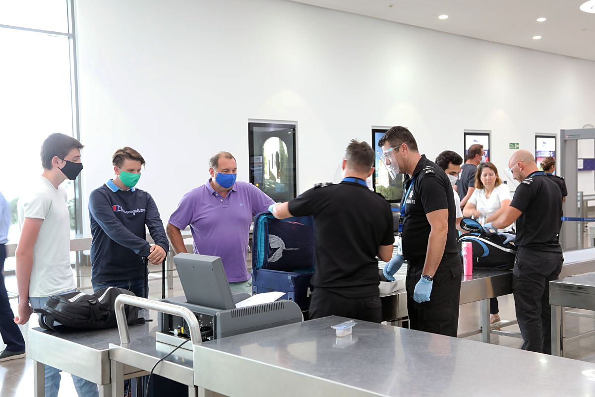 Gibraltar Air Terminal Adopts Further Covid-19 Measures - Face Coverings / Masks Mandatory